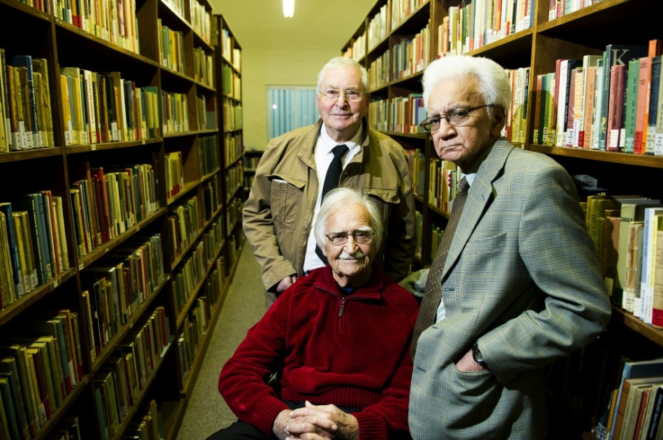 Hennie (at the back) was an icon of South African literature. Here he is with fellow Afrikaans literary luminaries Adam Small (right)and TT Cloete (seated). Photo: Beeld