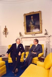 Prime Minister Gough Whitlam (left) with US President Richard Nixon