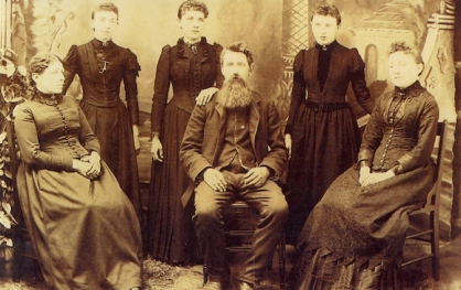 The Ingalls family circa 1891. L-R: Caroline, Grace, Laura, Charles, Carrie and Mary. (Source; Littlehouseontheprairie.com)