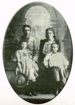 Ásmundsson, his wife and children, circa 1900.